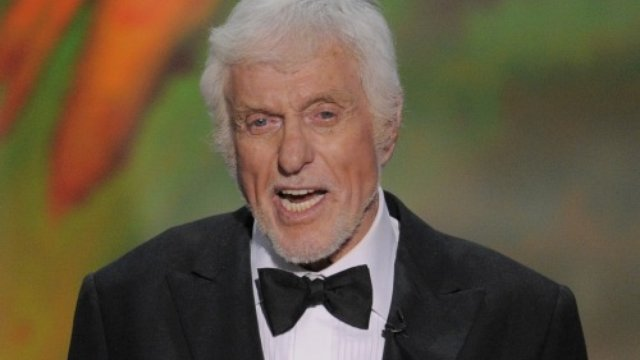 Dick Van Dyke apologizes for his