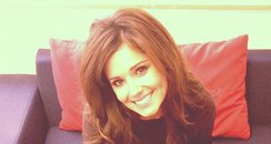 Cheryl Cole on twitter with arm sling