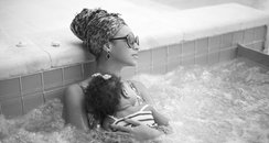 Beyonce and Blu Ivy in a hot tub