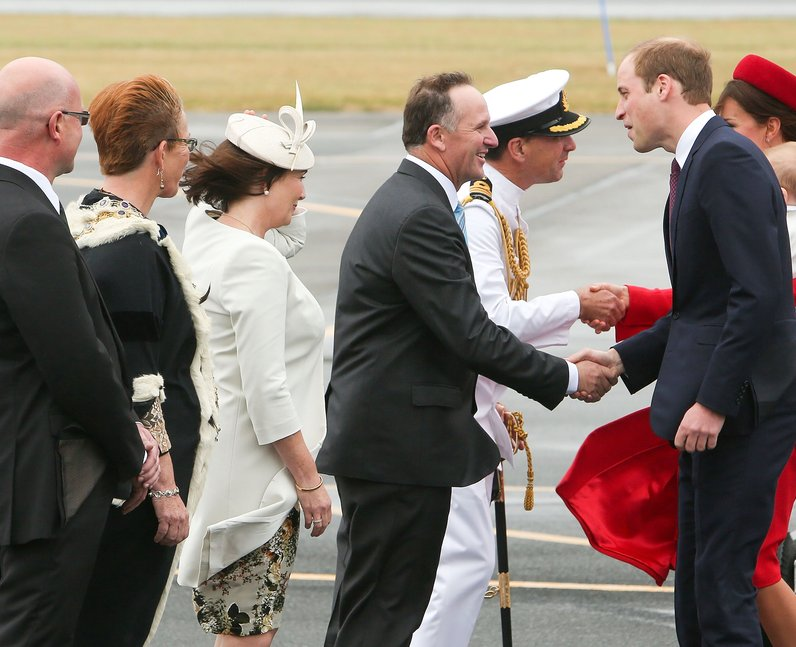 the duke and duchess of cambridge meet prime minister john key