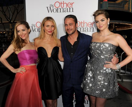 Leslie Mann, Cameron Diaz, Taylor Kinney, Kate Upton on the red carpet.
