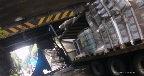 Lorry hits railway bridge in Bristol