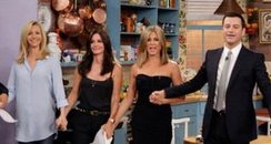 Lisa Kudrow, Courteney Cox, Jennifer Aniston and J