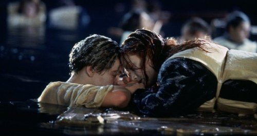 Titanic Filmstill Winslet and Dicaprio