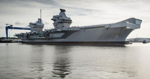 HMS Queen Elizabeth Portsmouth aircraft carrier Ro